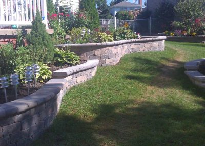 brick-retaining-wall-flower-bed